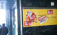 ATENÇAO EDITOR FOTO EMBARGADA PARA VEICULOS INTERNACIONAIS - MADRI, ESPANHA, 14 NOVEMBRO 2012 - GREVE GERAL ESPANHA - Cidade de Madri, capital da Espanha durante dia de greve geral, nesta quarta-feira, 14. Dezenas de cidades europeias sao palco de protestos semelhantes, e os principais sindicatos de Portugal e Espanha convocaram greves gerais. (FOTO: ALFAQUI / BRAZIL PHOTO PRESS).