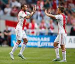 Nederland, Amsterdam, 17 juli 2015<br /> Oefenwedstrijd<br /> Ajax-VFL Wolfsburg<br /> John Heitinga komt in het veld voor Joel Veltman
