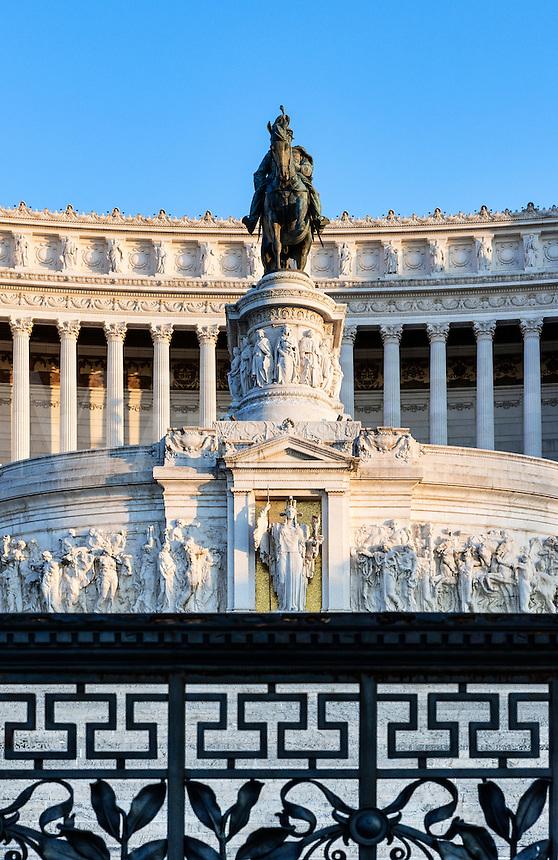 Monumento a Vittorio Emanuele II, Via del Teatro di Marcello, Rome, Italy