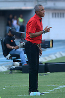 BARRANQUIILLA -COLOMBIA-22-03-2015. Alexis Mendoza técnico del Atlético Junior gesticula durante partido con Millonarios por la fecha 11 de la Liga Águila I 2015 jugado en el estadio Metropolitano Roberto Meléndez de la ciudad de Barranquilla./ Alexis Mendoza coach of Atletico Junior gestures during match against Millonarios for the 11th  date of the Aguila League I 2015 played at Metropolitano Roberto Melendez stadium in Barranquilla city.  Photo: VizzorImage/ Alfonso Cervantes / Cont