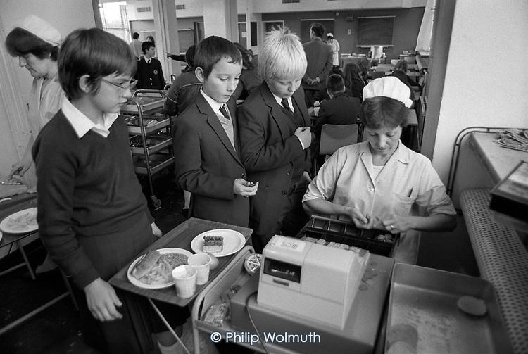 School meals service, Eltham Green School, Greenwich, ondon.