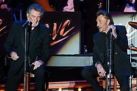 EDDIE MICHELL / JOHNNY HALLYDAY - LES VIEILLES CANAILLES EN CONCERT AU FESTIVAL ALUNA