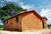 Casa de taipa em Rosario Oeste. Mato Grosso. 2010. Foto de Antonio Siqueira.