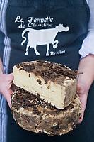 Europe/France/73/Savoie/Val d'Isère: Tomme au Marc de Savoie de la Ferme de l'Adroit à la boutique : La Fermette de Claudine