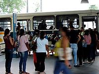 Recife - PE, 18/03/2021 - Com 96% de ocupação nas UTIs e aumento de casos de covd-19 Pernambuco decreta quarentena em todas as cidades do estado para conter piora da pandemia. Decreto entra em vigor hoje(18) e vai até o dia 28 de março. apenas serviços essenciais podem funcionar neste período.
