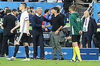 Trainer Adam Nawalka (POL) mit Trainer Joachim Löw (D) - EM 2016: Deutschland vs. Polen, Gruppe C, 2. Spieltag, Stade de France, Saint Denis, Paris