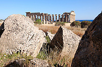Greek Dorik Temple ruins of Temple F at Selinunte, Sicily Greek Dorik Temple columns of the ruins of the Temple of Hera, Temple E, Selinunte, Sicily