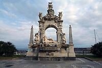 - Naples, Sebeto fountain in the Mergellina district ....- Napoli, fontana del Sebeto nel quartiere di Mergellina
