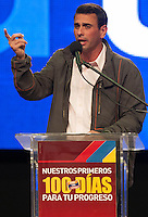 .A picture dated 09/09/12 shows  opposition candidate Henrique Capriles, presented his plan for the first hundred days in office, in Caracas, during his campaign for the presidential elections on October 7..  CARLOS HERNANDEZ)/(dpa