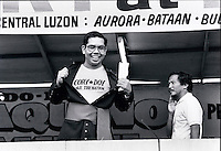 Janary and February 1986 were memorable days in the Philippines. The fall of dictator Ferdinand Marcos and the rise of the first so called democraticly chosen President Cory Aquino. Helped by the massive public support of People Power.