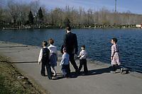 Montreal (Qc) CANADA - File Photo : hassidic Jewsish family