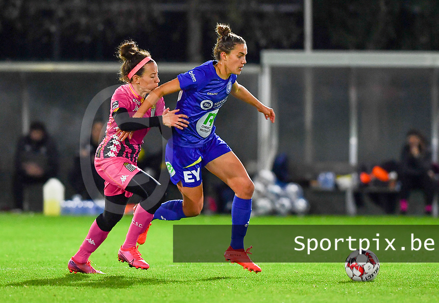 Chloe Vande Velde (10 Gent)  pictured in a fight for the ball with Ines Dhaou (5 Charleroi) during a female soccer game between  AA Gent Ladies and Sporting Charleroi Feminin on the fifth matchday of the 2020 - 2021 season of Belgian Scooore Womens Super League , friday 16 th of October 2020  in Oostakker , Belgium . PHOTO SPORTPIX.BE | SPP | DAVID CATRY