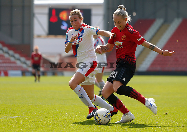 Leah Galton of Manchester United Women on the attack
