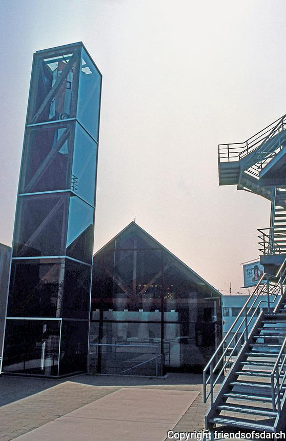 Frank Gehry: Loyola U. Law School. Chapel.  Photo '86.