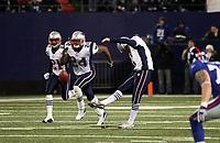 Kick-Off von Stephen Gostkowski (Patriots)<br /> New York Giants vs. New England Patriots<br /> *** Local Caption *** Foto ist honorarpflichtig! zzgl. gesetzl. MwSt. Auf Anfrage in hoeherer Qualitaet/Aufloesung. Belegexemplar an: Marc Schueler, Am Ziegelfalltor 4, 64625 Bensheim, Tel. +49 (0) 6251 86 96 134, www.gameday-mediaservices.de. Email: marc.schueler@gameday-mediaservices.de, Bankverbindung: Volksbank Bergstrasse, Kto.: 151297, BLZ: 50960101