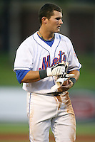 April 15, 2009:  Shortstop Reese Havens (5) of the St. Lucie Mets, Florida State League Class-A affiliate of the New York Mets, during a game at Tradition Field in St. Lucie, FL.  Photo by:  Mike Janes/Four Seam Images