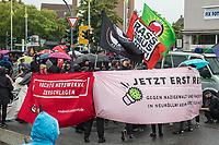 Antifaschistische Demonstration im Berliner Bezirk Neukoelln-Rudow am Sonntag den 30. August 2020. In Redebeitraegen wurde eine Aufklaerung ueber Verstrickungen von Polizei mit oertlichen Naziszene und ein Einschreiten gegen rassistische und rechtsextreme Angriffe und Anschlaege gefordert.<br /> Zu der Demonstration kamen mehrere hundert Menschen.<br /> 30.8.2020, Berlin<br /> Copyright: Christian-Ditsch.de<br /> NUR FUER REDAKTIONELLE ZWECKE! Werbung nur auf Anfrage beim Fotografen. [Inhaltsveraendernde Manipulation des Fotos nur nach ausdruecklicher Genehmigung des Fotografen. Vereinbarungen ueber Abtretung von Persoenlichkeitsrechten/Model Release der abgebildeten Person/Personen liegen nicht vor. NO MODEL RELEASE! Don't publish without copyright Christian-Ditsch.de, Veroeffentlichung nur mit Fotografennennung, sowie gegen Honorar, MwSt. und Beleg. Konto: I N G - D i B a, IBAN DE58500105175400192269, BIC INGDDEFFXXX, Kontakt: post@christian-ditsch.de<br /> Bei der Bearbeitung der Dateiinformationen darf die Urheberkennzeichnung in den EXIF- und  IPTC-Daten nicht entfernt werden, diese sind in digitalen Medien nach §95c UrhG rechtlich geschuetzt. Der Urhebervermerk wird gemaess §13 UrhG verlangt.]