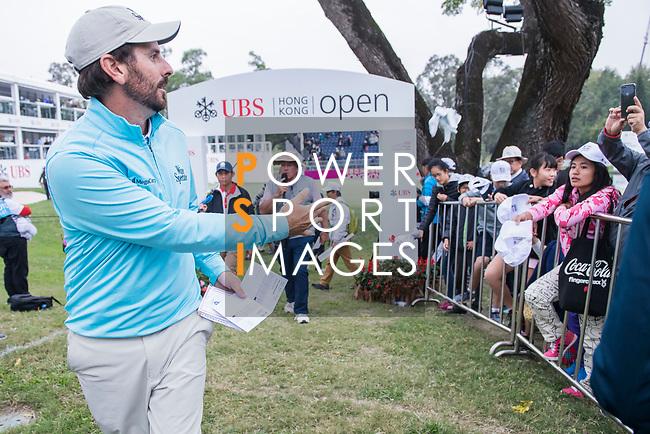 Thomas Aiken of South Africa interacts with the fans during the day three of UBS Hong Kong Open 2017 at the Hong Kong Golf Club on 25 November 2017, in Hong Kong, Hong Kong. Photo by Marcio Rodrigo Machado / Power Sport Images