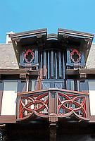 Bernard Maybeck: Roos House, Jackson St., San Francisco 1909. Detail. Photo '76.