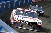 #11: Denny Hamlin, Joe Gibbs Racing, Toyota Camry FedEx Office, #4: Kevin Harvick, Stewart-Haas Racing, Ford Mustang Mobil 1