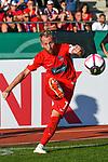 10.08.2019, Donaustadion, Ulm, GER, DFB Pokal, SSV Ulm 1846 Fussball vs 1. FC Heidenheim, <br /> DFL REGULATIONS PROHIBIT ANY USE OF PHOTOGRAPHS AS IMAGE SEQUENCES AND/OR QUASI-VIDEO, <br /> im Bild Marc Schnatterer (Heidenheim, #7) beim Eckstoss<br /> <br /> Foto © nordphoto / Hafner