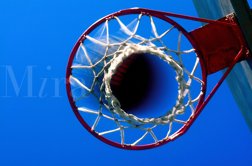 Basketball net.