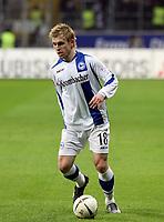 Artur Wichniarek (Bielefeld)<br /> Eintracht Frankfurt vs. Arminia Bielefeld, Commerzbank Arena<br /> *** Local Caption *** Foto ist honorarpflichtig! zzgl. gesetzl. MwSt. Auf Anfrage in hoeherer Qualitaet/Aufloesung. Belegexemplar an: Marc Schueler, Am Ziegelfalltor 4, 64625 Bensheim, Tel. +49 (0) 6251 86 96 134, www.gameday-mediaservices.de. Email: marc.schueler@gameday-mediaservices.de, Bankverbindung: Volksbank Bergstrasse, Kto.: 151297, BLZ: 50960101