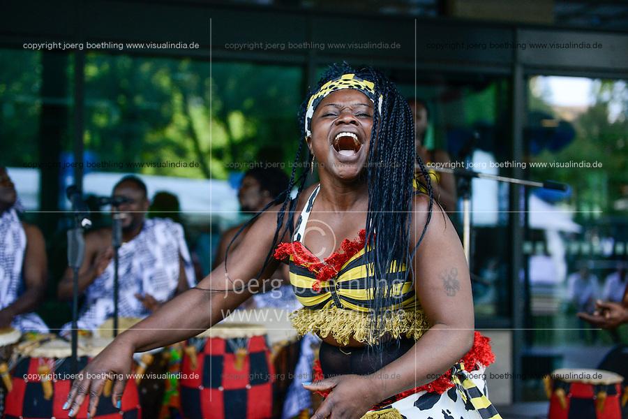 BMZ Tag der offenen Tür 2015, Hauptbühne, Adikanfo Cultural Group, Ghana