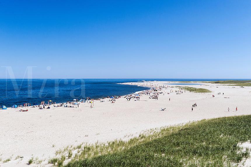Crowded Chatam Lighthouse Beach, Cape Cod, Massachusetts, USA