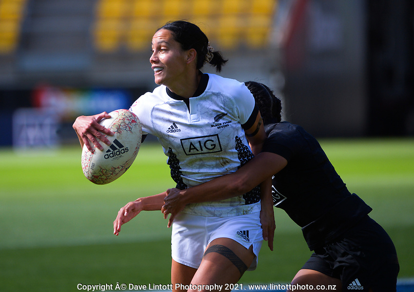 Action from the 2021 Takiwhitu Tuturu Sevens tournament match between Black Ferns Black and Black Ferns White at Sky Stadium in Wellington, New Zealand on Sunday, 11 April 2021. Photo: Dave Lintott / lintottphoto.co.nz