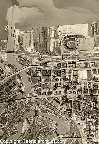 historical aerial photo map of Cleveland, Ohio, 1962