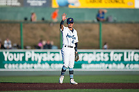 Everett AquaSox second baseman Cesar Izturis Jr. (40) waves to the fans during a Northwest League game against the Tri-City Dust Devils at Everett Memorial Stadium on September 3, 2018 in Everett, Washington. The Everett AquaSox defeated the Tri-City Dust Devils by a score of 8-3. (Zachary Lucy/Four Seam Images)