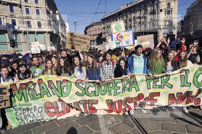 """- Milano,15 marzo 2019, manifestazione di giovani e studenti """"Global Strike for Future"""", in protesta contro i cambiamenti climatici ed il riscaldamento globale<br /> <br /> - Milan, 15 March 2019, """"Global Strike for Future"""" youth and student demonstration, in protest against climate change and global warming"""