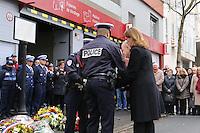 MONTROUGE LE 09/ 01/ 2017<br /> CEREMONIE EN HOMMAGE ¿ CLARISSA JEAN - PHILIPPE , LA JEUNE POLICIERE MUNICIPALE TUEE PAR LE TERRORISTE AMEDY COULIBALY LE 8 JANVIER 2015.<br /> BRUNO LE ROUX MINISTRE DE L'ÄôINTERIEUR<br /> ERICKA BAREIGTS , MINISTRE DES OUTRE MER<br /> JULIETTE MEADEL SECRETAIRE D'ÄôETAT