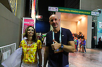 RIO DE JANEIRO, RJ, 16.02.2015 - CARNAVAL 2015 - RIO DE JANEIRO - GRUPO ESPECIAL / VILA ISABEL - O ex-jogador Tande (direita) é visto no Sambódromo durantee desfile do grupo especial do Carnaval do Rio de Janeiro, na madrugada desta segunda-feira, 16. (Foto: Paulo Lisboa / Brazil Photo Press)