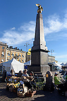 Denkmal auf Marktplatz, Helsinki, Finnland