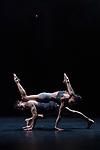 LUX TENEBRIS<br /> <br /> CHORÉGRAPHIE Rafael Bonachela<br /> MUSIQUE Nick Wales<br /> COSTUMES Aleisa Jelbart<br /> LUMIÈRES, SCÉNOGRAPHIE Benjamin Cisterne<br /> AVEC 16 danseurs du Sydney Dance Company<br /> DATE 11/04/2018<br /> LIEU Théâtre National de la Danse Chaillot<br /> VILLE Paris