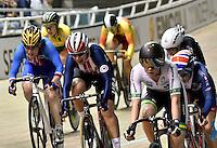CALI – COLOMBIA – 18-02-2017: Sara Hammer (2 Izq.) de Estados Unidos, gana medalla de oro en la prueba de Scratch Damas, en el Velodromo Alcides Nieto Patiño, sede de la III Valida de la Copa Mundo UCI de Pista de Cali 2017. / Sara Hammer (2 L) from Estados Unidos, win a gold medal in the Women´s Scratch Race at the Alcides Nieto Patiño Velodrome, home of the III Valid of the World Cup UCI de Cali Track 2017. Photo: VizzorImage / Luis Ramirez / Staff.