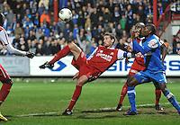KV Kortrijk - KRC Genk : Nebojsa Pavlovic controleert de bal en scoort de 2-0 voor Kortrijk.foto VDB / BART VANDENBROUCKE