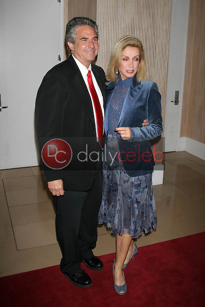 Richard Holland and Donna Mills<br />at the Friends of the Los Angles Free Clinic Annual Dinner Gala. Beverly Hilton Hotel, Beverly Hills, CA. 11-20-06<br />Dave Edwards/DailyCeleb.com 818-249-4998