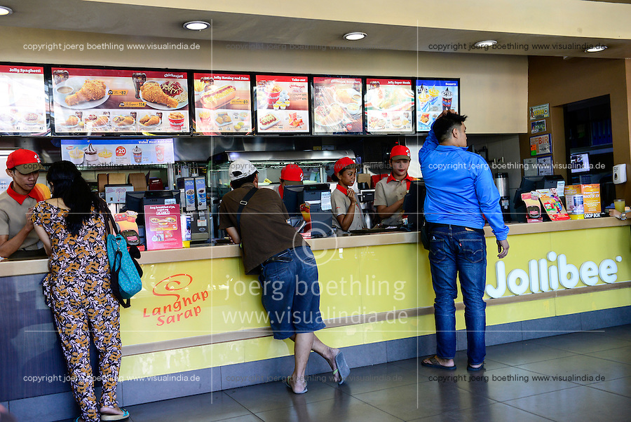 PHILIPPINEN, Luzon, Manila, Las Pinas, Jollibee Fast Food Restaurant, Jollibee fast food chain was founded by chinese Filipino Tony Tan Caktiong