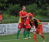 Sporting Menen - KV Oostende : vreugde bij Laurent Depoitre (links) en Xavier Luisint (rechts) na een doelpunt<br /> foto VDB / Bart Vandenbroucke