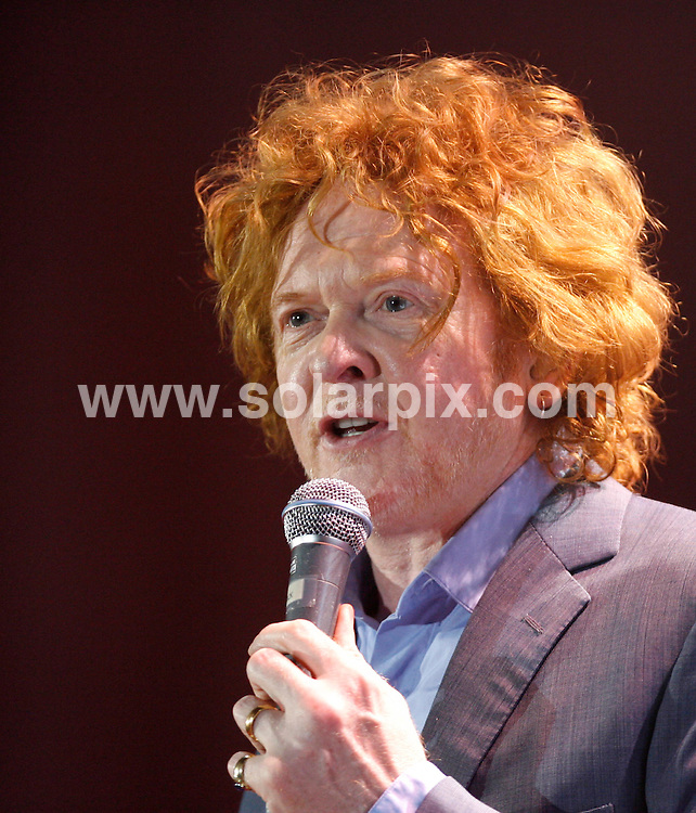 **ALL ROUND PICTURES FROM SOLARPIX.COM**.**SYNDICATION RIGHTS FOR UK AND SPAIN ONLY**.British Singer Simply Red, Mick Hucknall,  live in concert in Leipzig Germany...This pic:Mick Hucknall..JOB REF: 8947          CPR/ddp        DATE:06.05.09.**MUST CREDIT SOLARPIX.COM OR DOUBLE FEE WILL BE CHARGED**.**ONLINE USAGE FEE GBP 50.00 PER PICTURE - NOTIFICATION OF USAGE TO PHOTO @ SOLARPIX.COM**.**CALL SOLARPIX : +34 952 811 768 or LOW RATE FROM UK 0844 617 7637**