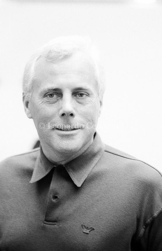 Giorgio Armani è uno stilista e imprenditore italiano, fra i più celebri del mondo. La sua ricchezza al 2020 è stata valutata dalla rivista Forbes per circa 11,2 miliardi di dollari, cosa che lo rende il 3º uomo più ricco d'Italia. Nel 2000 ha dichiarato un reddito imponibile di 167 milioni di euro. Milano, 16 maggio 1983. Photo by Leonardo Cendamo