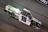 #19: Derek Kraus, McAnally Hilgemann Racing, Toyota Tundra Gates Hydraulics/NAPA Belts & Hoses