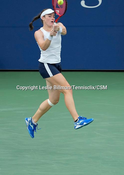 September  1, 2021:   Tamara Zidansek loses to Aryna Sabalenka (BLR) 6-3, 6-1, at the US Open being played at Billy Jean King Ntional Tennis Center in Flushing, Queens, New York / USA ©Leslie Billman/Tennisclix/CSM