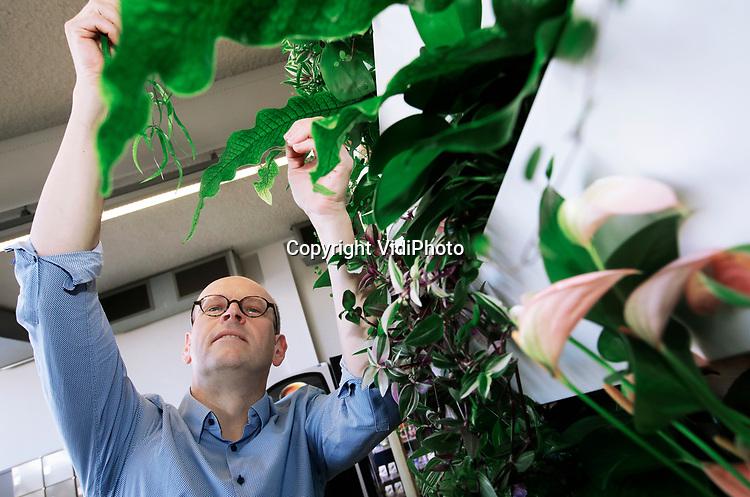Foto: VidiPhoto<br /> <br /> VELP – Portret van Eric Soer, docent hoveniersopleiding Aeres in Velp.