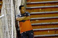 ENVIGADO -COLOMBIA-21-02-2016. Juan Carlos Sanchez técnico de Envigado FC gesticula durante el encuentro con Independiente Santa Fe por la fecha 5 de la Liga Águila I 2016 realizado en el Polideportivo Sur de la ciudad de Envigado./ Juan Carlos Sanchez coach of Envigado FC gestures during the match against Independiente Santa Fe for the date 5 of the Aguila League I 2016 at Polideportivo Sur in Envigado city.  Photo: VizzorImage/ León Monsalve /STR