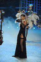 NON EXCLUSIVE PICTURE: MATRIXPICTURES.CO.UK.PLEASE CREDIT ALL USES..UK RIGHTS ONLY..Barbadian R&B pop singer Rihanna is pictured performing a concert on the runway during the 2012 Victoria's Secret lingerie fashion show, held at New York's Lexington Avenue Armory. ..NOVEMBER 7th 2012..REF: GLK 125134 /NortePhoto