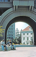 Charles Moore: School of Business, U.C. Berkeley. Detail of arch.  Photo '98.